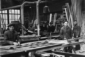 1923 - Oprichting Lefevere & Sons for the production of furniture